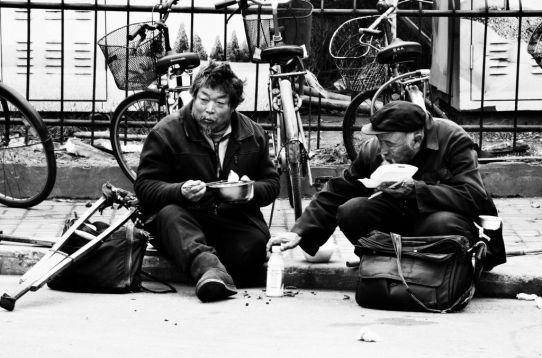 Zhapu lu beggars1